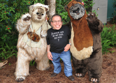 Warwick Davis with some Ewok friends at Star Wars Weekends