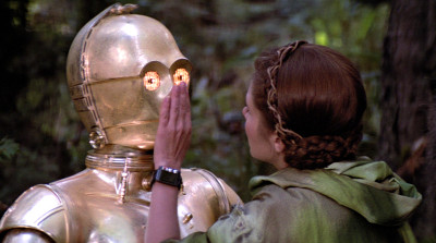 Princess Leia quiets C-3PO on Endor