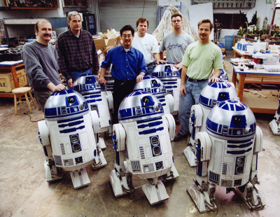 Grant Imahara with many, many R2-D2s at ILM