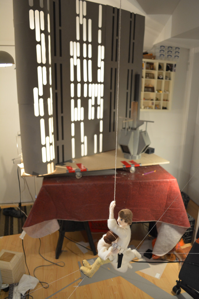Star Wars Epic Yarns - blog08 - Luke and Leia swing scene set-up