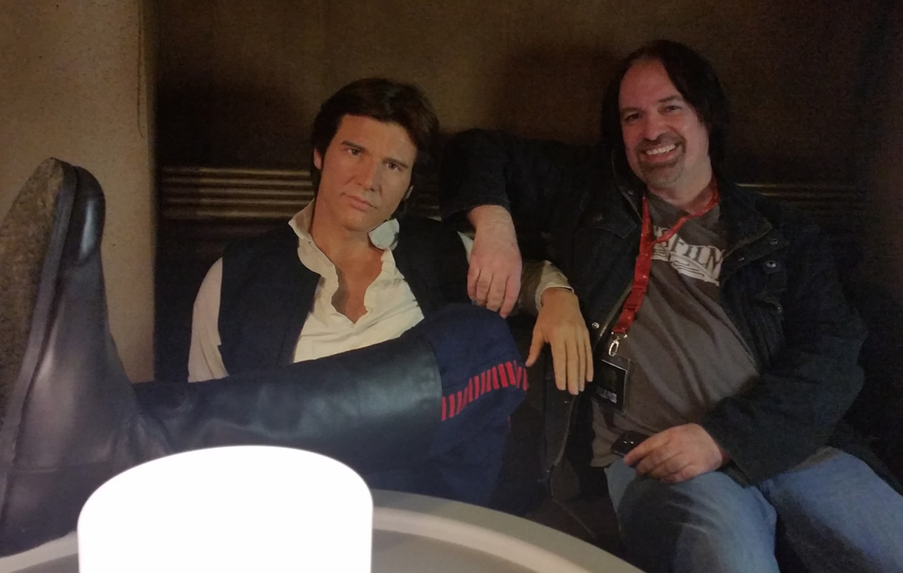 Madame Tussauds - posing with Han Solo