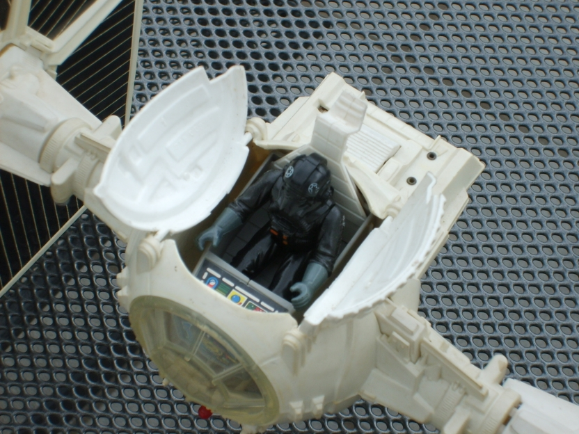 Tie fighter toy - hatch