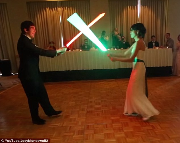 Star Wars couple