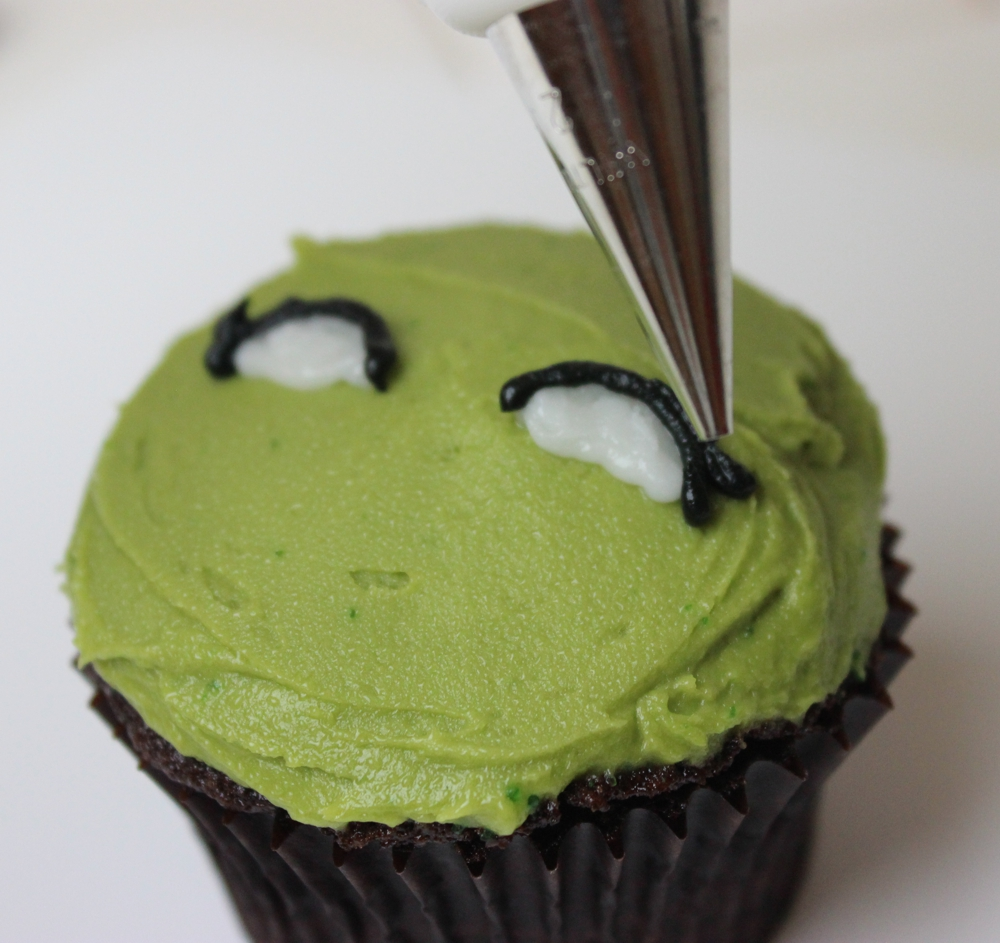 Barriss Offee cupcake - eye pipe