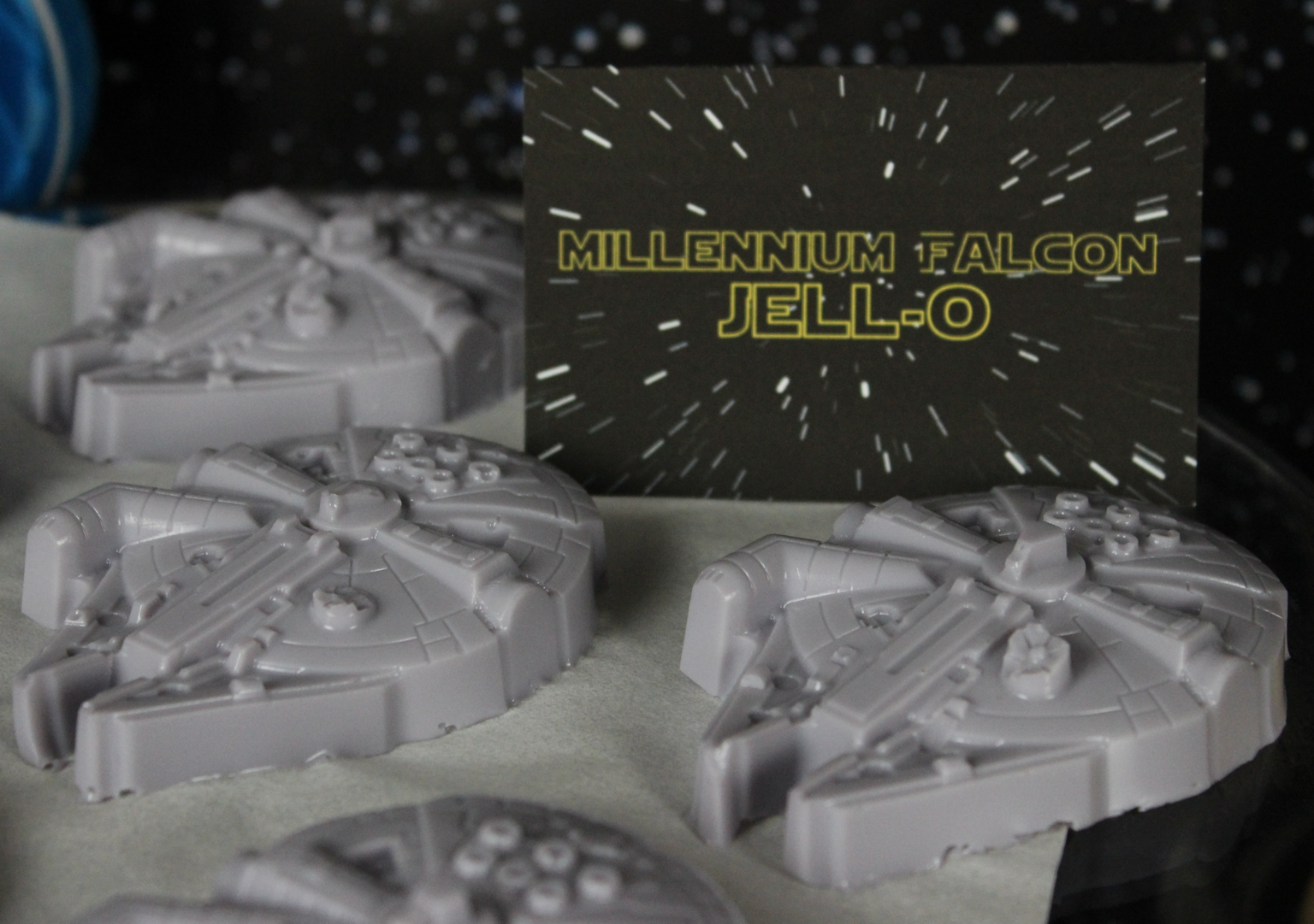TFA Party - Millennium Falcon Jello