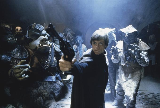 Return of the Jedi - Luke with Blaster looking up at Jabba