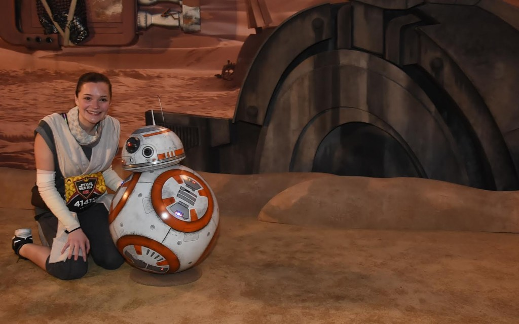 runDisney - Rey runner with BB-8