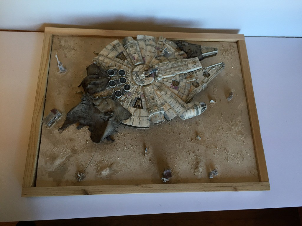 Bird's Eyeview of the Jakku Falcon Diorama