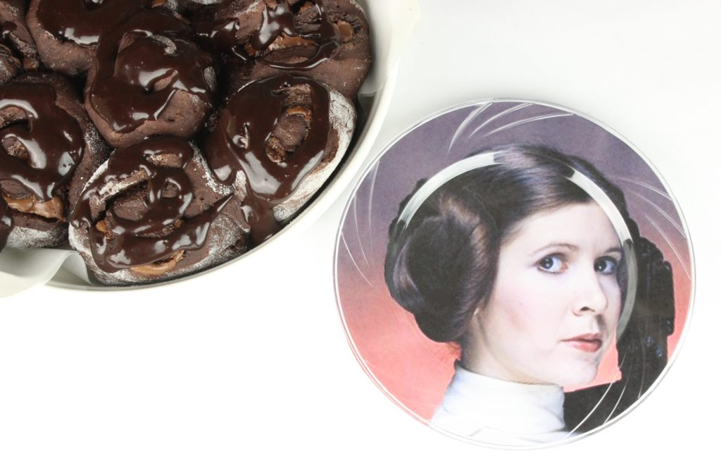 Leia buns and plate